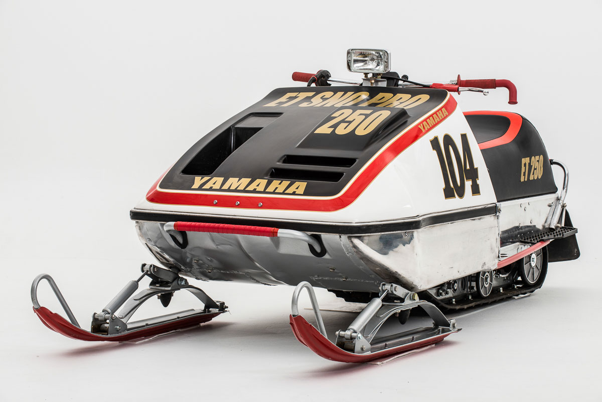 snowmobile yamaha Vintage racing