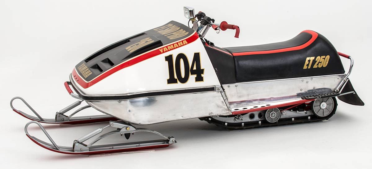 Yamaha enticer et250 sno pro hoods phil little racing for Yamaha snow mobiles