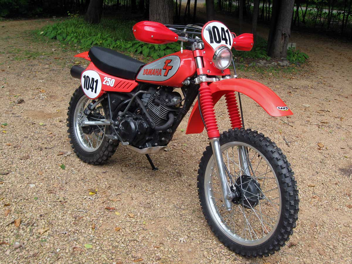 yamaha-tt250-front-right